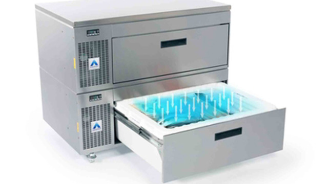 Adande rolls out shallow depth drawers