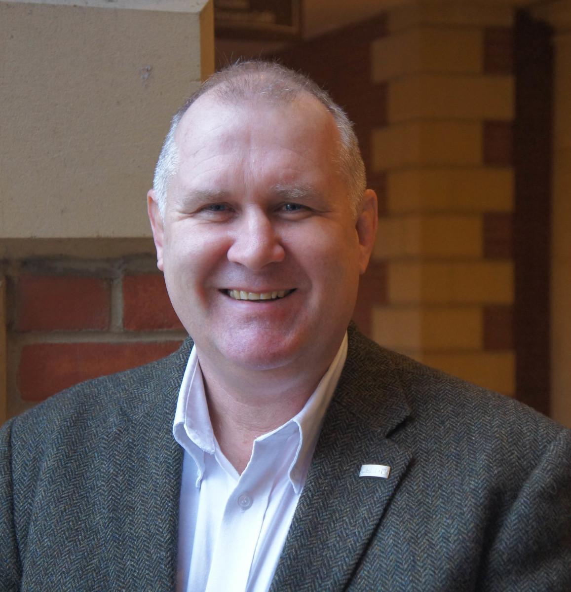 Simon Frost