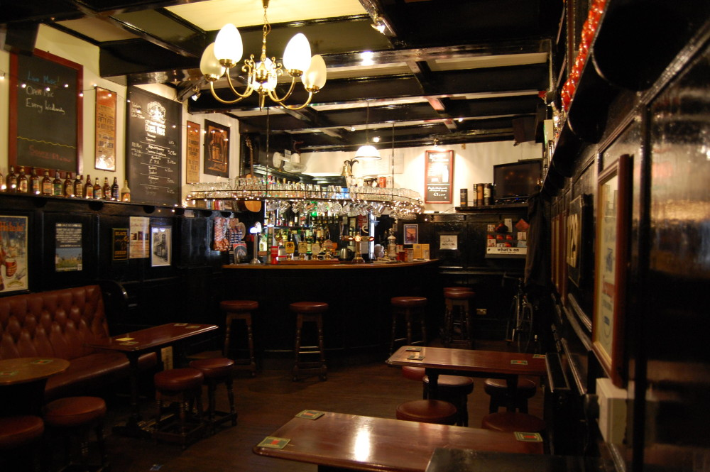 Hull pub interior
