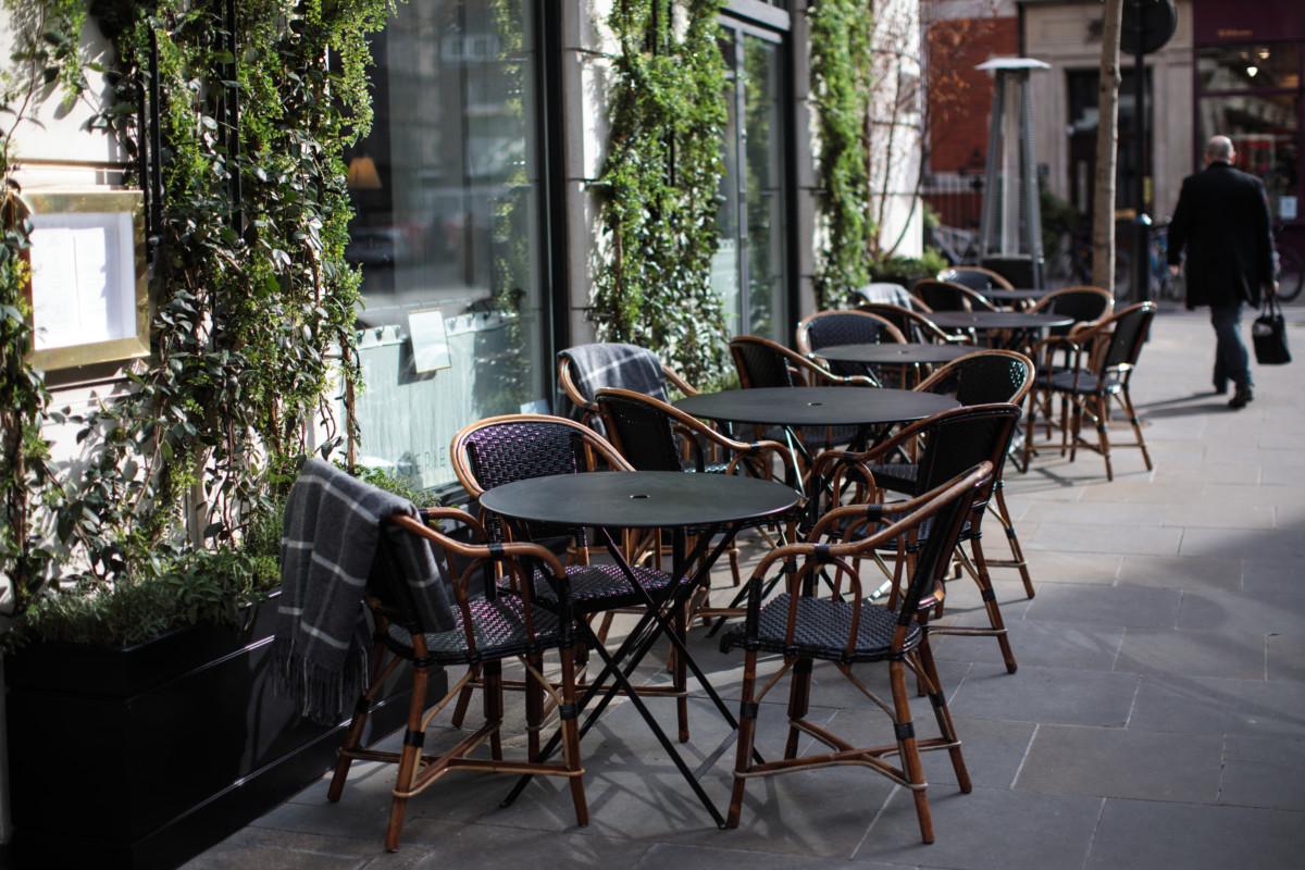 High street restaurant 2
