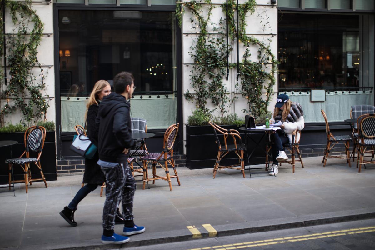 High street restaurant 1