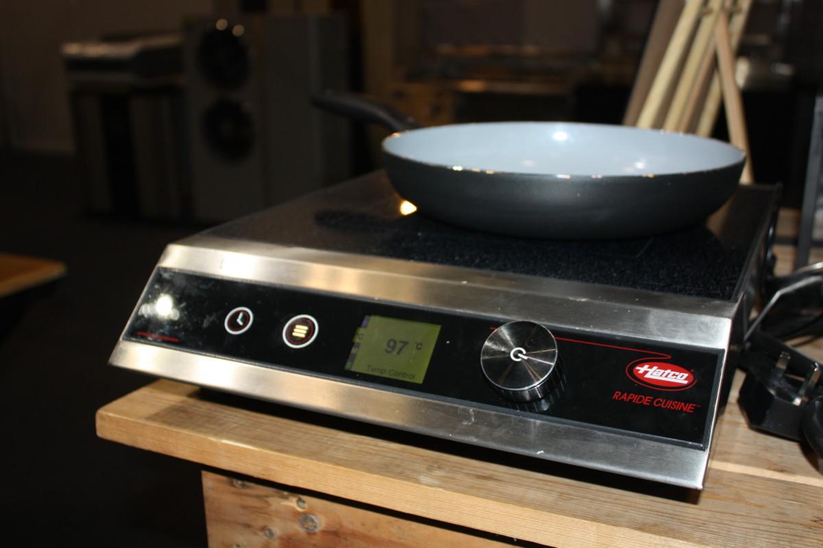 Rapide Cuisine countertop induction range
