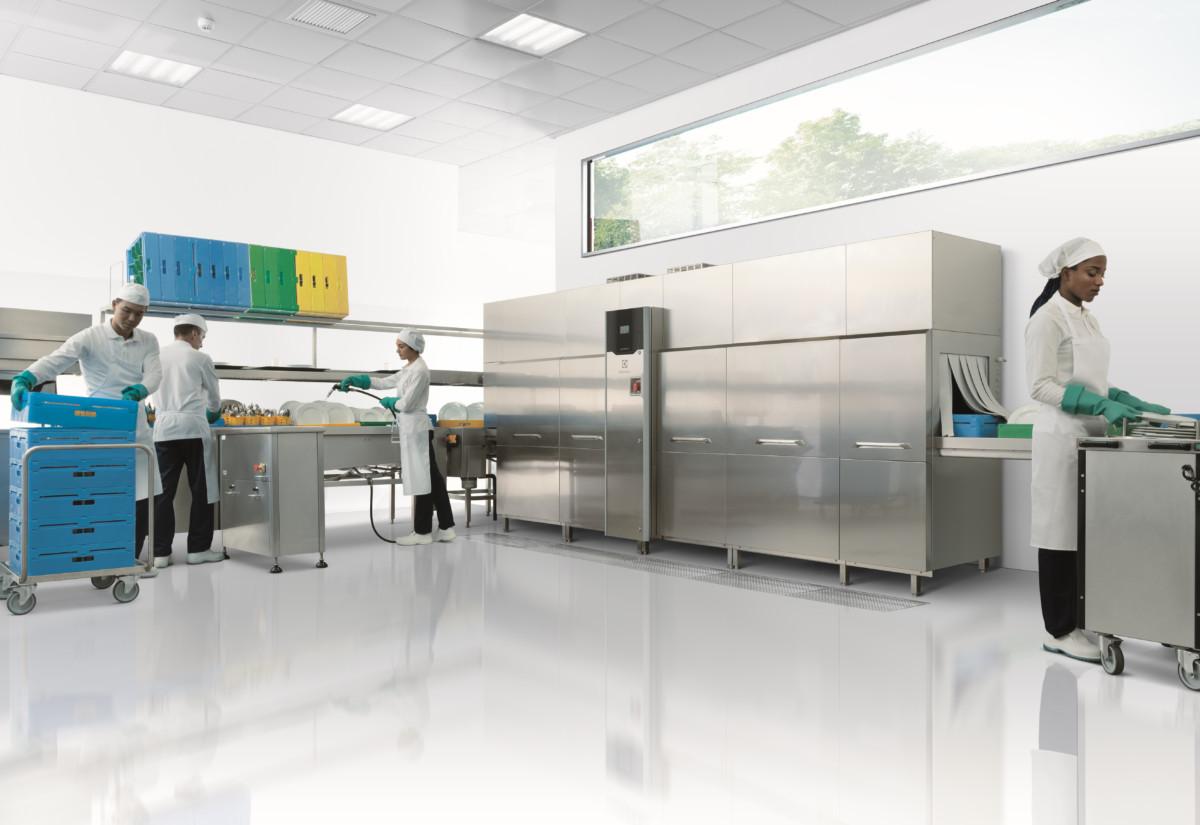 Green & Clean rack-type dishwasher