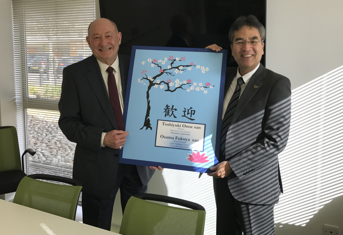 Pat Bray, managing director, Regale Microwave Ovens and Osamu Fukuya, general manager, small appliance group, Panasonic Corporation