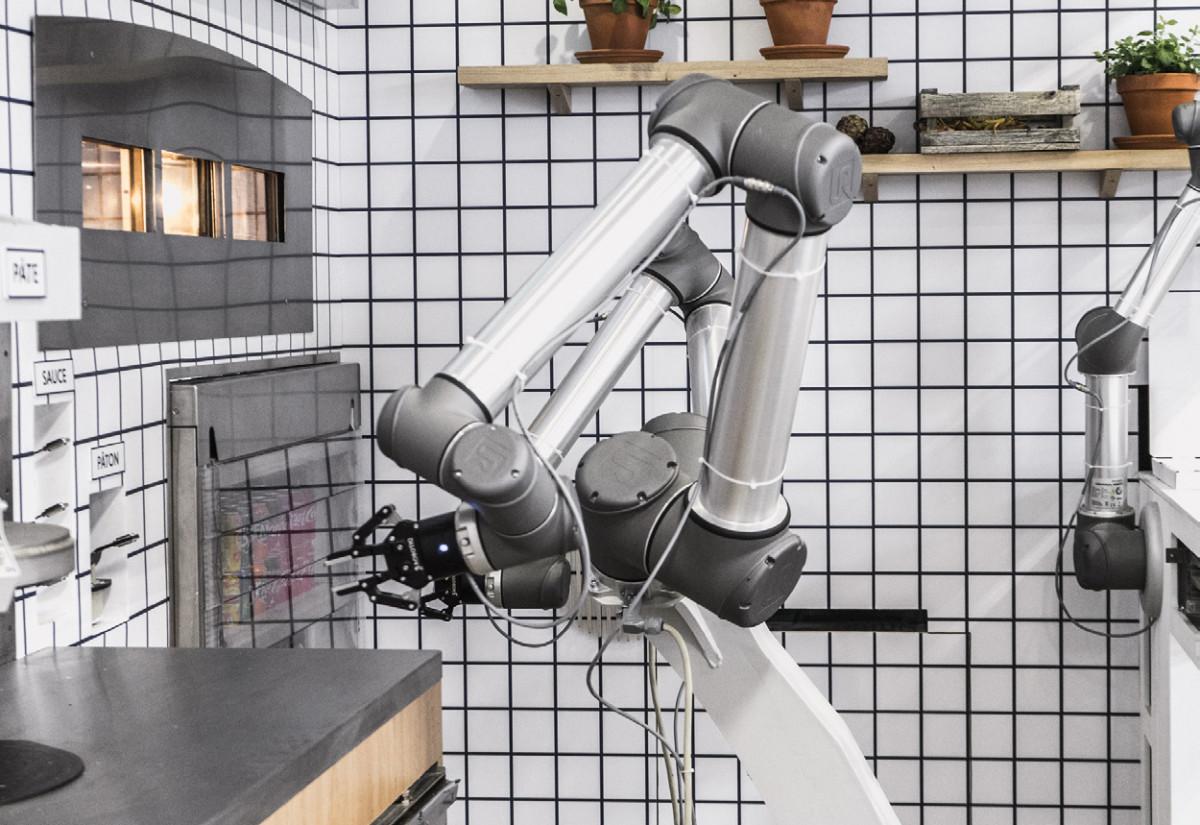 Pizza robot