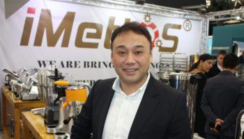 Zheng Mu, director