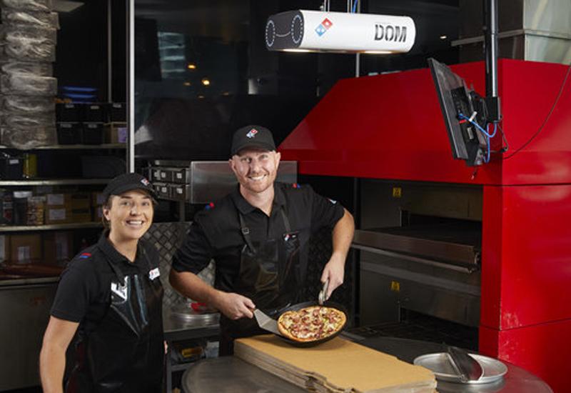 Domino's DOM Pizza Checker