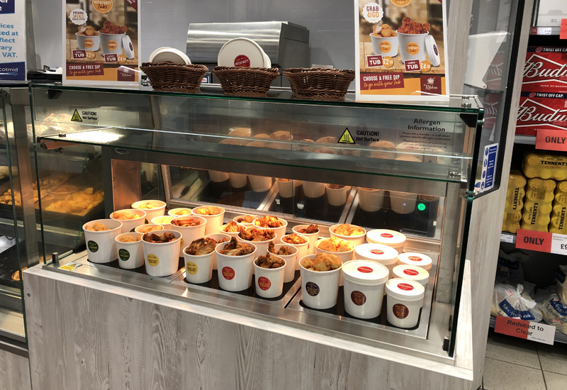 Dual-purpose heated and chilled display unit at Scotmid Co-operative 1